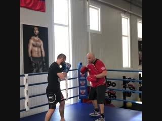 Тренировка Хабиба по боксу