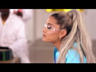 "Ariana Grande, Jimmy & The Roots Sing ""No Tears Left to Cry"" Nintendo Labo телешоу Джимми Фэллона Нью-Йорк, США."
