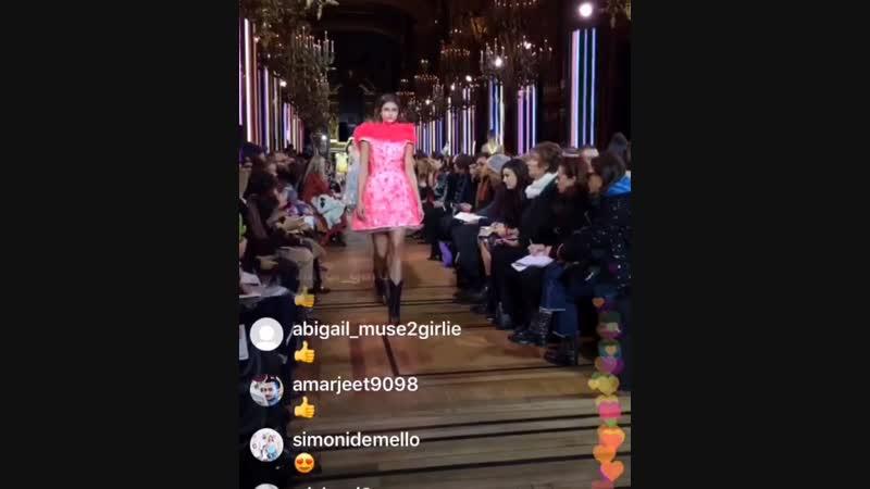 Показ Schiaparelli коллекции весна лето 2019 на Неделе высокой моды в Париже 21 января 2019
