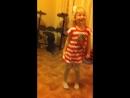 Лялька учит деда танцевать.
