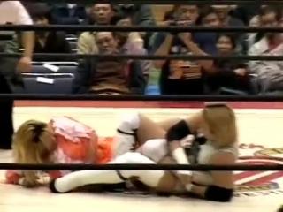 4. Yumiko Hotta, Manami Toyota vs. Tomoko Watanabe, Kayo Noumi (AJW 12.1.2001)