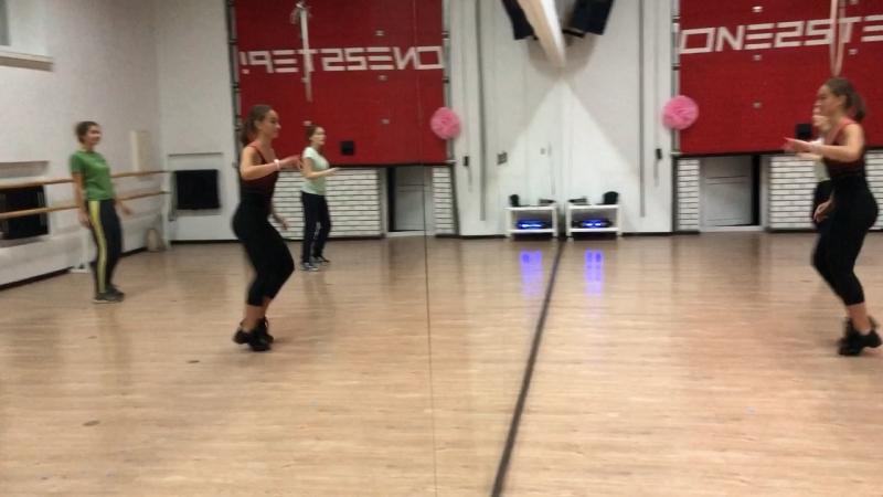 Соло-латина (начинающие) с Алиной Кучумовой   открытый урок   ONE2STEP!