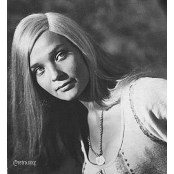 Светлана Светличная Сегодня ее день рождения! В каком фильме она вам больше запомнилась .Спасибо за и подписку.15 мая исполняется 79 лет известной актрисе Светлане Светличной, которую называют