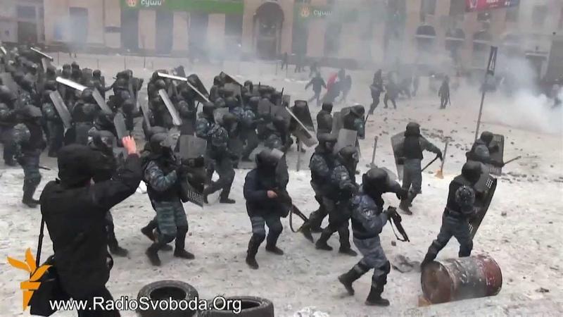Украина Киев Майдан Грушевского Революция 2014 Беркут против митингующих 22 01 2014Ukraine Kiev Mai