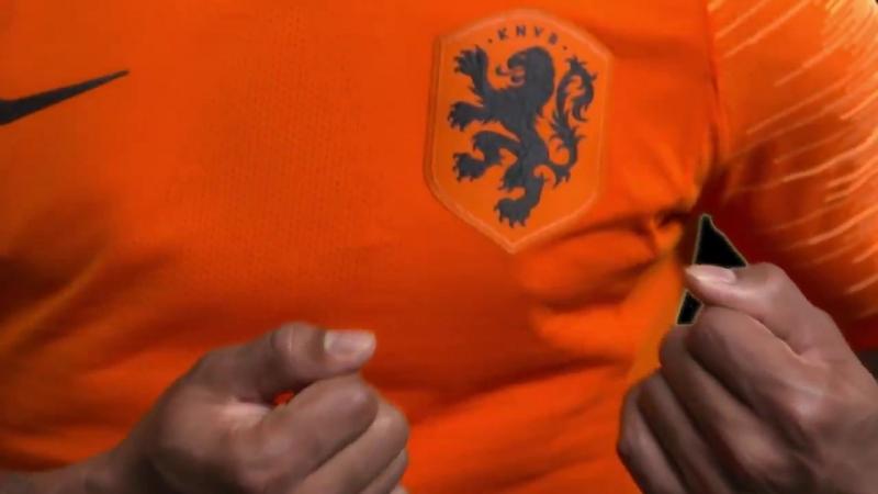 Nog 6️ uur tot de aftrap. SLWNED - - Oranje speelt vanavond voor het eerst in het nieuwe Oranje-tenue; oranje shirt, witte broek