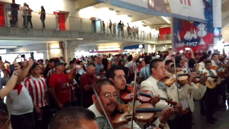Mexico- Mariachi Tocando en la Final Chivas vs Toronto.