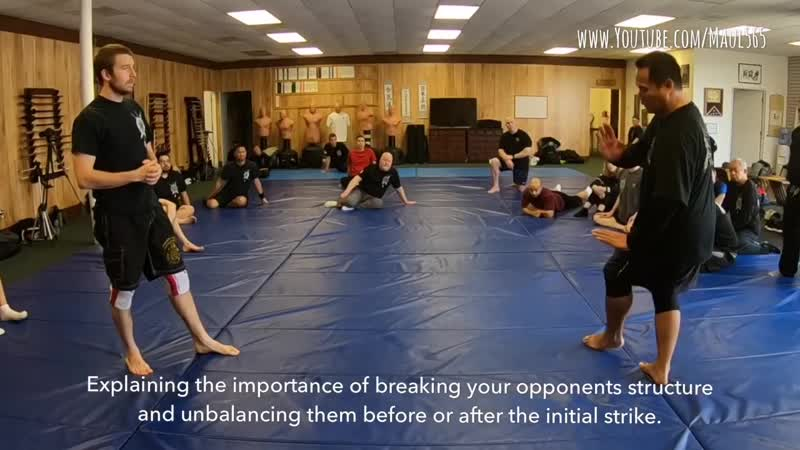 Silat Suffian Bela Diri Breaking Opponents Structure and Balance