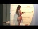 Mariana Davalos загорает и обнажает свои прелести