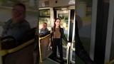 Флешмоб в автобусе: поющие новгородцы