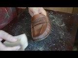 Просто и эффективно очистить жировые пятна и загрязненные места на обуви из кожи,замши,нубук,велюр.