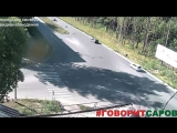 Велосипедист на пересечении Ленина Харитона