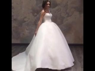 👰Готовясь к важному событию в жизни каждой 👱девушке нужно очень внимательно подойти к свадебному образу, он включает💞 очень мн