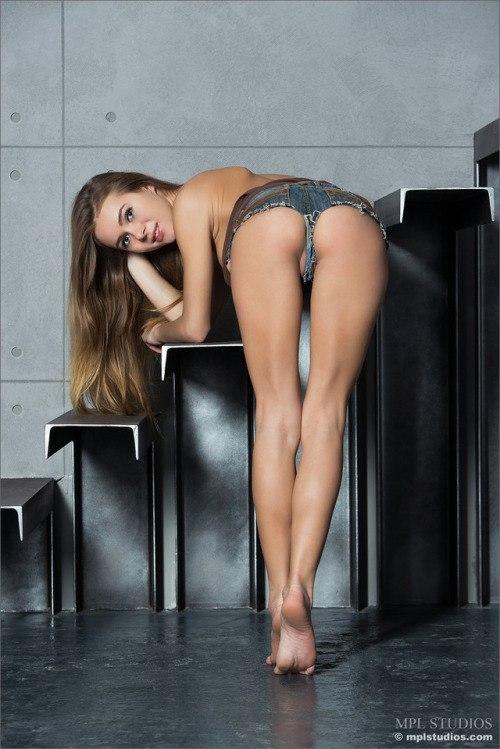 Mastix undresses off her servants clothing