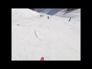 Снежная лавина накрыла людей, как спаслись остальные