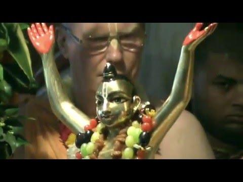 Е C Бхакти Ананта Кришна Госвами 20 02 2016 Абхишека в Маяпуре