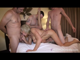 Sally d`angelo, payton hall - mommy gang bang