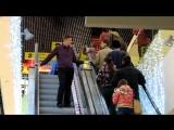 Пикап на эскалаторе ( Пранк )