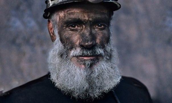 Важная притча о логике и смысле жизни В середине 20-х годов молодой еврей пришел к известному нью-йоркскому раввину и заявил, что хочет изучить Талмуд.— Ты знаешь арамейский — спросил раввин.—