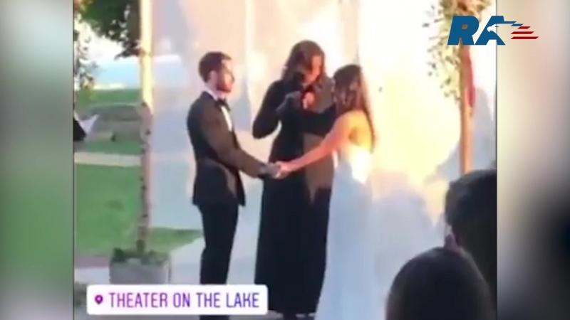 Экс-первая леди Мишель Обама стала тамадой на свадьбе