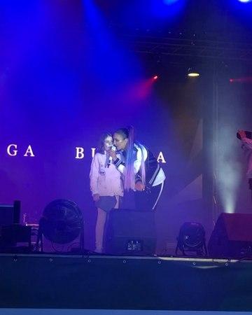 """Ольга Бузова on Instagram: """"Детская любовь для меня имеет особое значение, ведь она самая искренняя и чистая ❤️ Спасибо всем моим поклонникам, вас ..."""