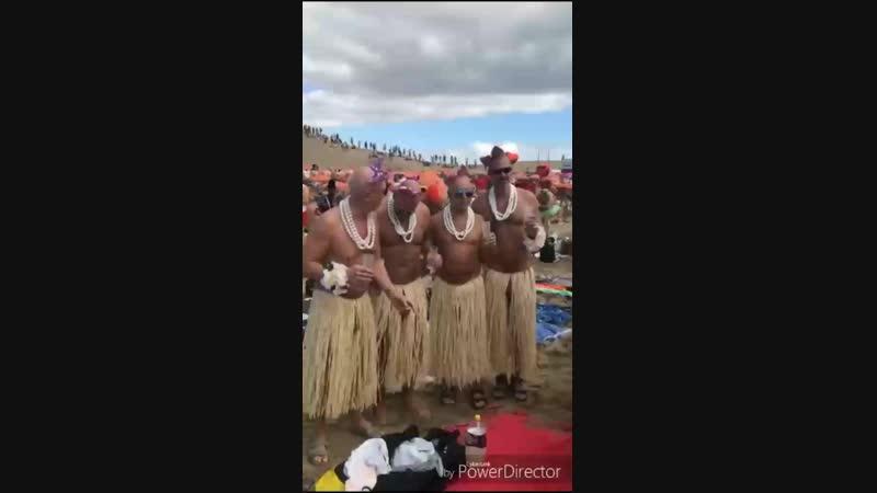 Танец писюнов