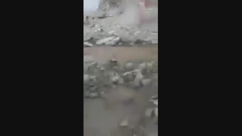 Ракка, здание разрушилось на человека.