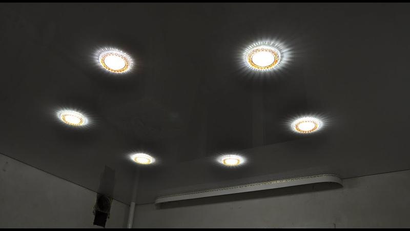 Натяжные потолки на кухне 6 точечных светильников
