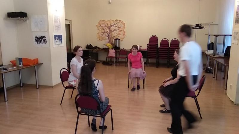 Котильон со стульями на Ильинке