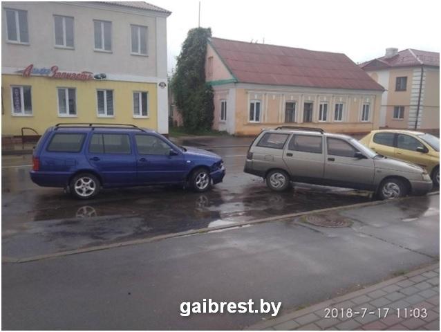 В Дрогичине в результате ДТП автомобиль сбил своего хозяина