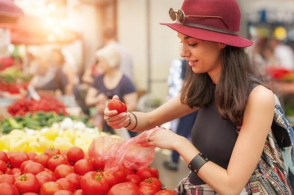 6 продуктов, которые следует выбирать очень тщательно иногда мы пытаемся сэкономить, выбирая товар меньшего качества. но такая экономия обязательно отразится на вашем здоровье, если пренебрегать