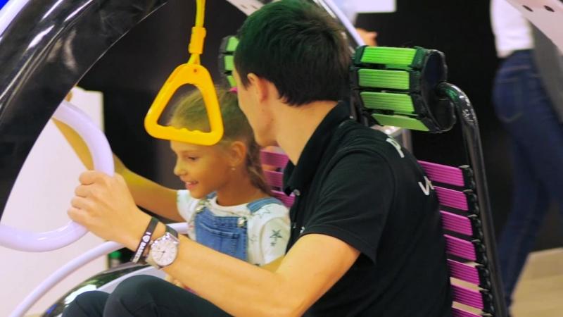 Прокатись на электроскутере размером с машину на Большом Фестивале Роботов
