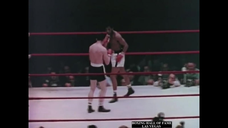 Sugar Ray Robinson KOs Gene Fullmer and Regains Crown 4x May 1 1957