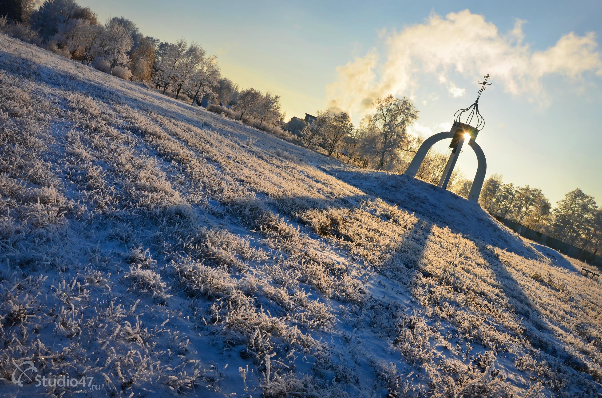 Памятник ушедшим поколениям - Вечная память
