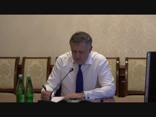 Прямая линия с Александром Дрозденко: стоимость проезда, многодетные семьи - компенсации и земля.