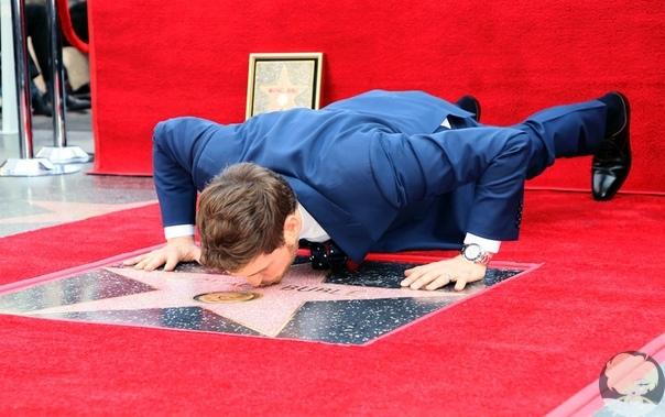 Майкл Бубле получил звезду на Аллее славы в день выхода альбома