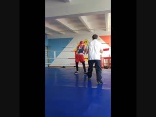Тренировки по боксу для девушек