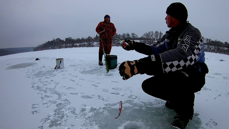 Зимняя рыбалка на Оке в снегопад 2018 - 2019