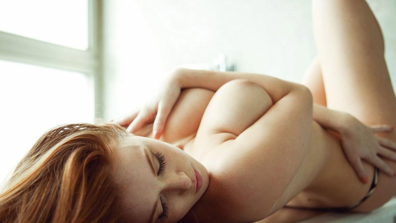 Amy reid takes a big cock