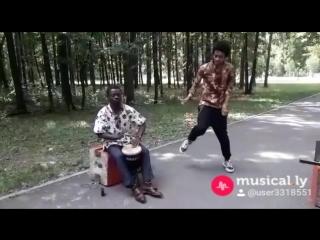 Барабан и танцы