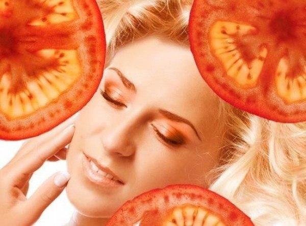 Пилинговая маска для лица из помидоров Маску из помидоров с эффектом пилинга можно без труда приготовить в домашних условиях с минимальными затратами как денег, так и времени. Один спелый
