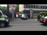 Затор по-американски 23 мая 2011 года Cadillac DTS Барака Обамы не смог покинуть территорию посольства США в Ирландии. President