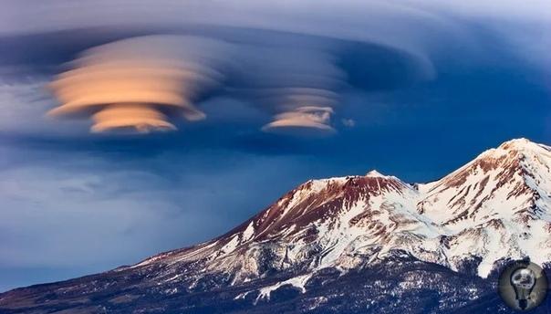 Загадки горы Шаста: странные облака и золотой город внутри В Неваде находится горная цепочка Сиерра, северная часть которой оканчивается горой Шаста. Расположена гора в Северной Калифорнии