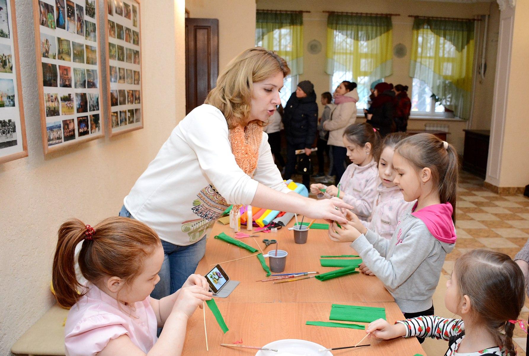 В городском ДК для детей прошел мастер-класс нового кружка ручного творчества
