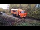 Проезд через реку рабочими и машинами-вахтами ПМС-36 на Дальнем-Востоке