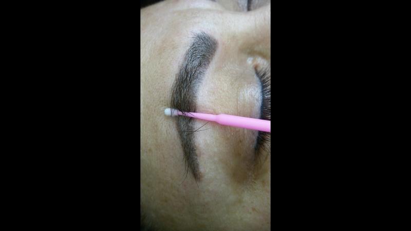 макросъёмка брови после небольшой коррекции