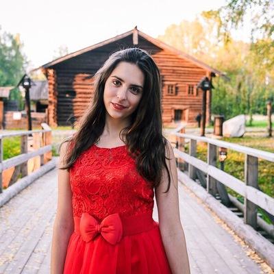 Лена Стрижак