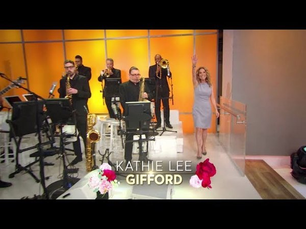 "FRIDAY Harry Performs ""You Are My Sunshine"" TODAY co-host Kathie Lee Gifford!"