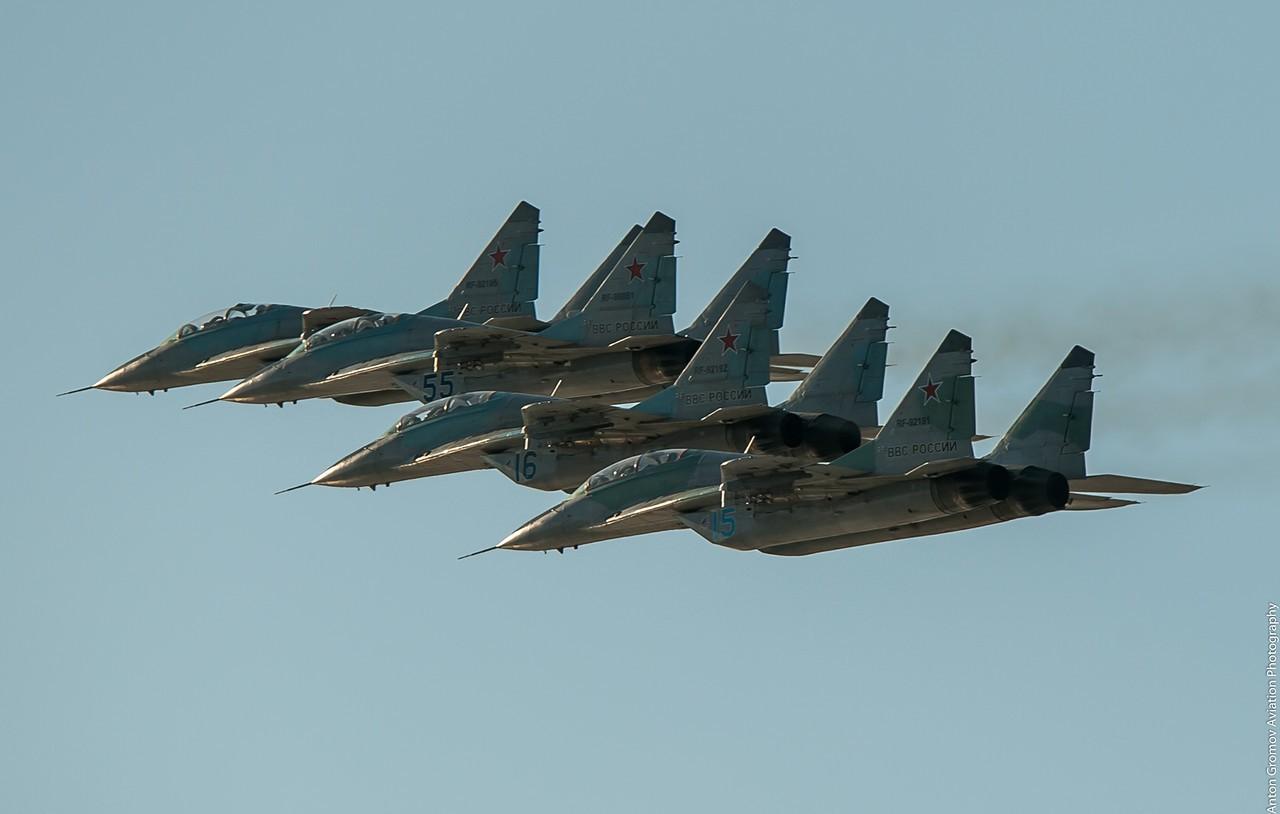 Боевые самолеты армии России кружат над границей с Украиной: ВСУ не дают врагу пересечь черту (видео)