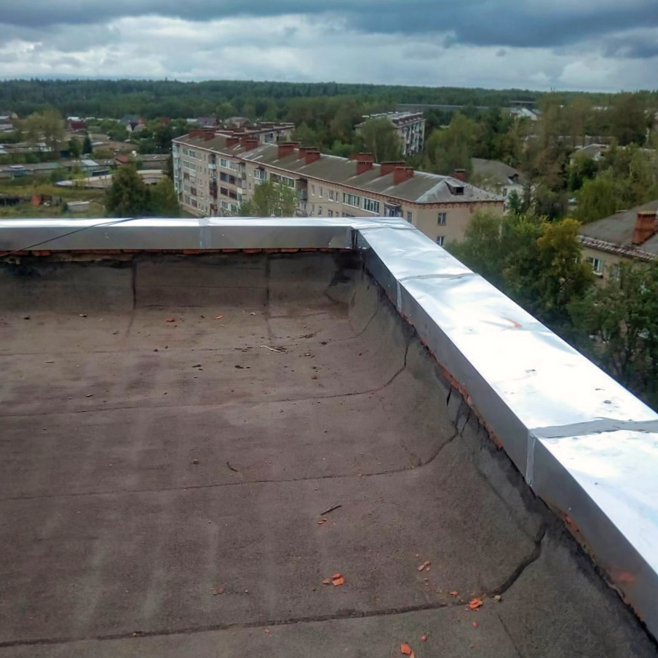 Парапет на крыше фото