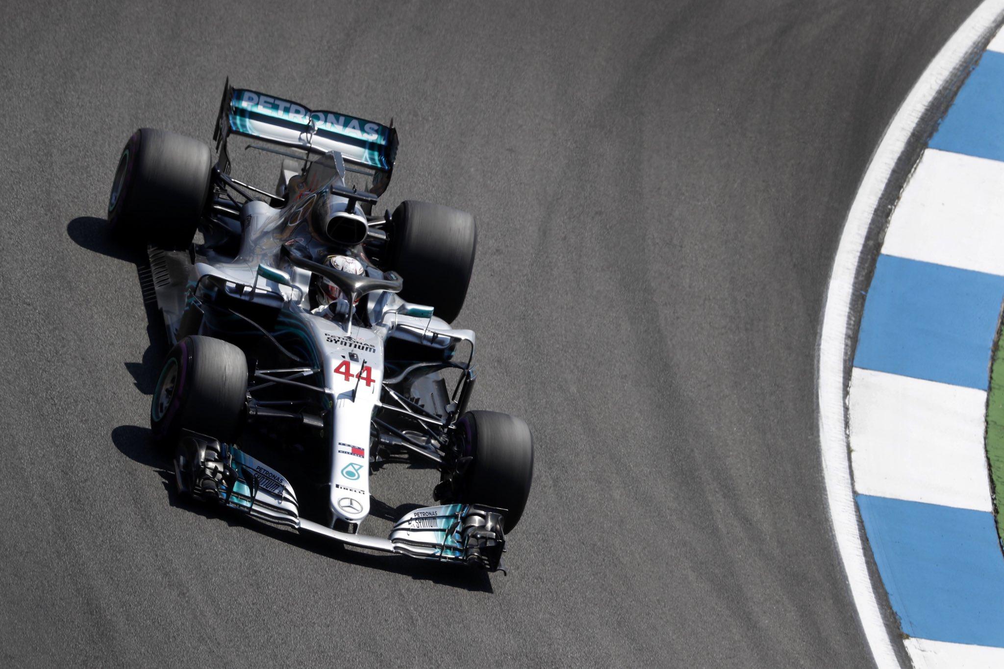 Льююис Хэмилтон за рулём болида команды Mercedes в Германии (2018 год)